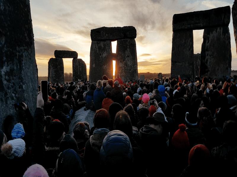 stonehenge ceremony ストーンヘンジ 冬至